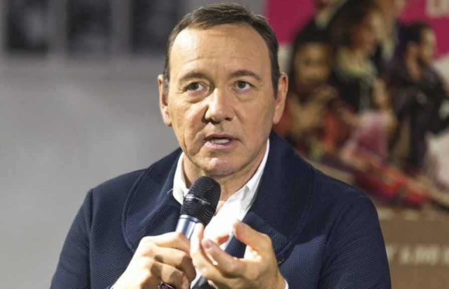 kevin spacey co the bi truy to ve toi tan cong tinh duc