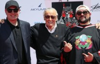 stan lee duoc in dau tay tai hollywood