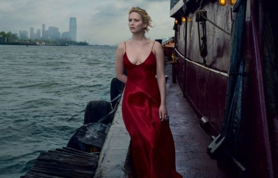 jennifer lawrence va phut noi that tren vogue