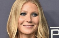 gwyneth paltrow dua vo nhac kich head over heels den broadway